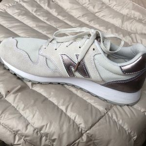 Athleisure running shoes